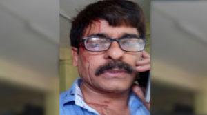 journalist attacked, mumbai local train, mumbai local